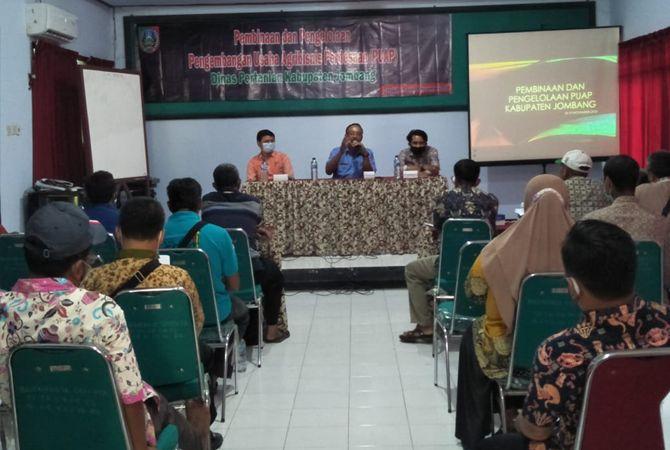 Disperta Jombang mengadakan pembinaan dan pengelolaan bagi para petani agrobisnis.