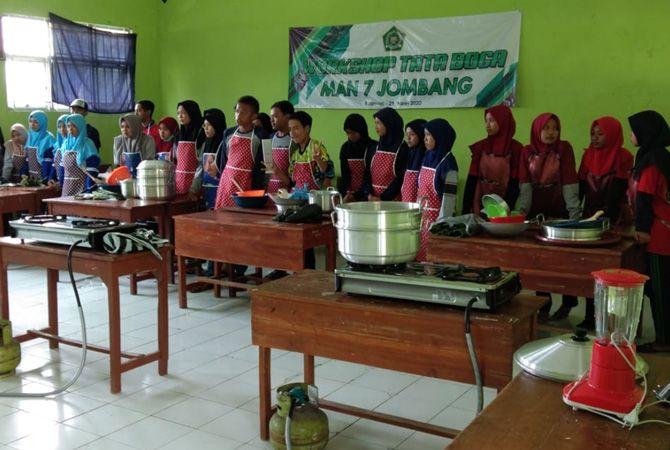 Program Tata Boga bekali siswa berjiwa entrepreneur.