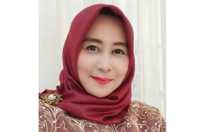Lilik Zulailiyah,  ketua Dharma Wanita Persatuan Dinas Pendidikan dan Kebudayaan