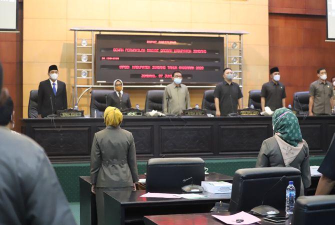 Sidang paripurna DPRD Jombang diikuti semua unsur pimpinan dan anggota dewan.