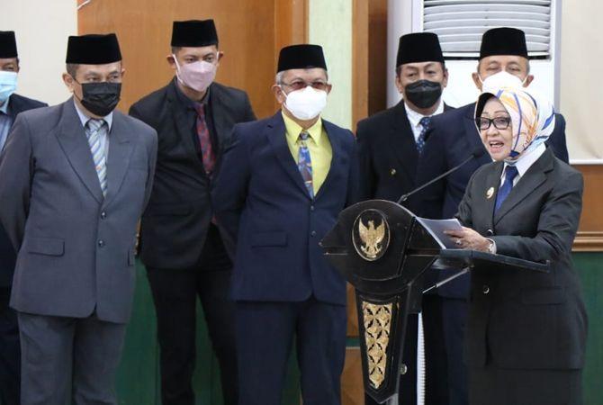 TERBATAS: Sejumlah kepala OPD di lingkup Pemkab Jombang juga menghadiri pelantikan di ruang Bung Tomo Kantor Pemkab Jombang.