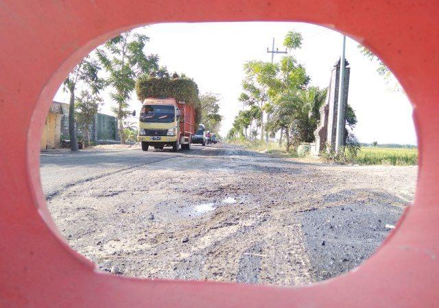 perbaikan jalan rusak