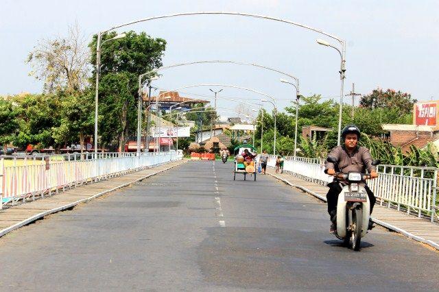 jembatan lama kediri