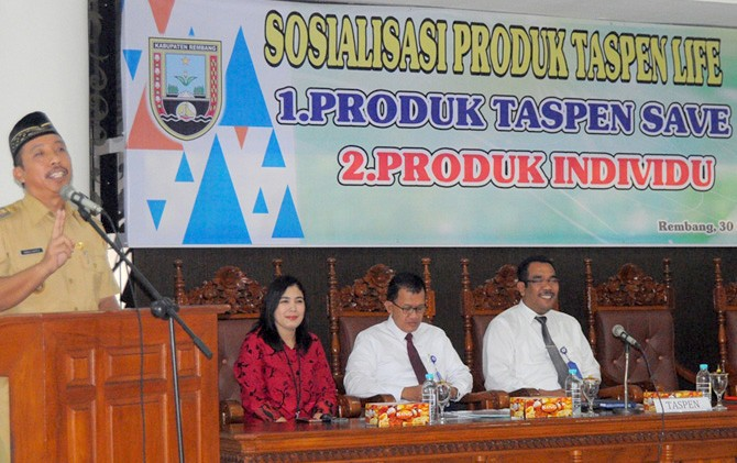 DUKUNG PROGRAM: Bupati Rembang Abdul Hafidz mendorong pemanfaatan program yang diberikan PT Taspen.