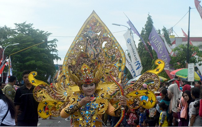 TAMPIL BEDA: Fashion Show Batik Karnival akan memeriahkan peringatan hari Pangan Dunia tingkat Jateng yang dipusatkan di Blora akhir bulan ini.