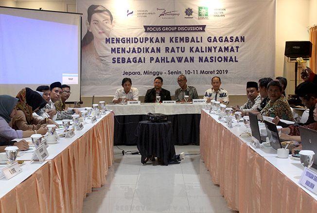 DISKUSI: Puluhan warga Jepara yang terdiri dari berbagai yayasan dan kelompok mendukung pengajuan kembali Ratu Kalinyamat sebagai pahlawan nasional.