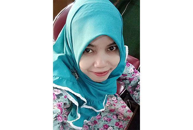 Vivi Nur Azizah, S.Sn.; Guru Multimedia SMK Negeri 1 Purwodadi