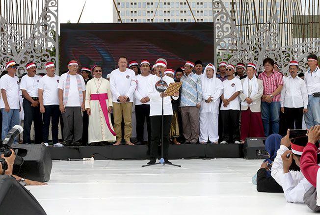 NKRI KUAT: Gubernur Jawa Tengah Ganjar Pranowo dan Wagub Gus Yasin, Forkopimda Jateng, dan tokoh nasional hadir dalam Apel Kebangsaan di Lapangan Pancasila Semarang kemarin.