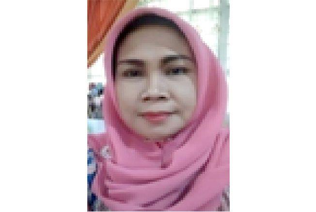 Dra Eny Azizah; Guru SMAN 1 Kudus