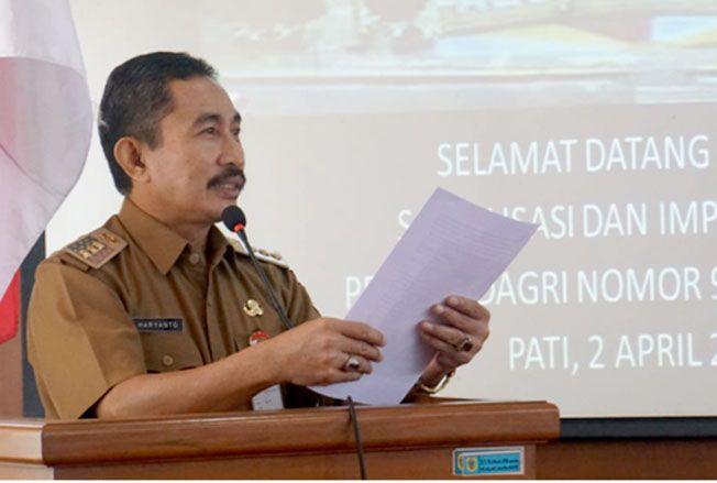 RAKOR PEMILU: Bupati Haryanto menyampaikan arahan dengan forkopimda dan penyelenggara pemilu di setda setempat kemarin.