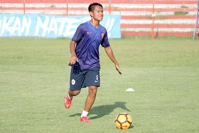 ASAH TAKTIK: Pemain Persiku Kudus saat berlatih di Stadion Wergu Wetan Kudus kemarin.