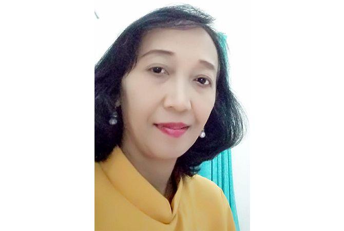 Natalia Sumi Indrawati, S.Pd. Ing.; Guru Bahasa Inggris SMP 3 Bae Kudus