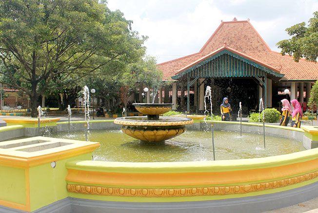 DIPERCANTIK: Pengunjung Museum RA Kartini dinilai masih jauh dari harapan. Pengunjung hanya membeludak tiap April.