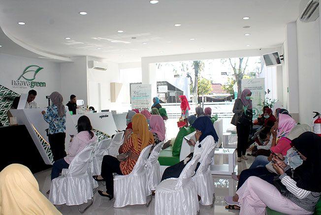 RAMAI: Grand Opening Naavagreen Natural Skin Care di jalan R Soeprapto No 122 Kota Purwodadi (Sebelah Plaza Telkom) ramai pengunjung.