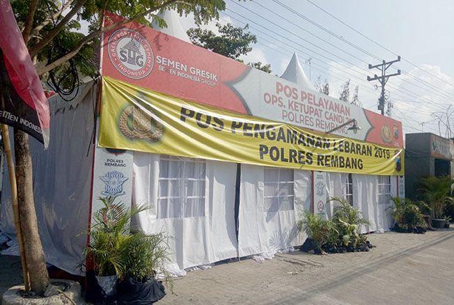 PT Semen Gresik turut menyukseskan program Mudik dengan mendirikan Pos Pam di kawasan Alun-Alun Rembang.