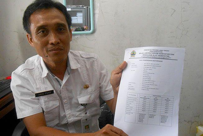 HASIL LAB: DKK Kudus memperlihatkan hasil laboratorium terkait kasus keracunan lima anak di TPA Aisyiyah, Janggalan, Kudus.