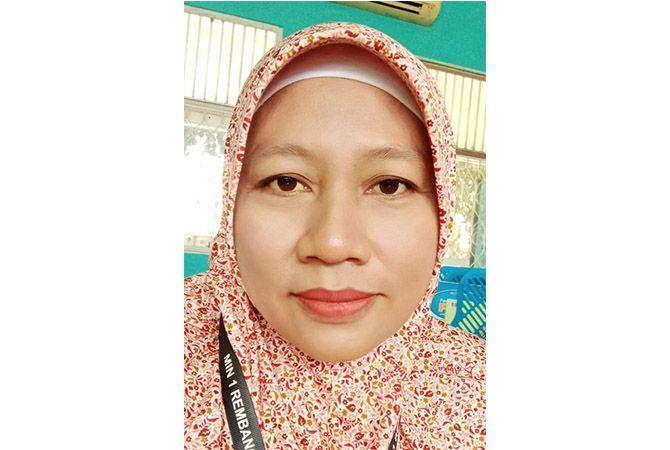 Daningsih, S.Pd.I.; Guru MIN 1 Rembang