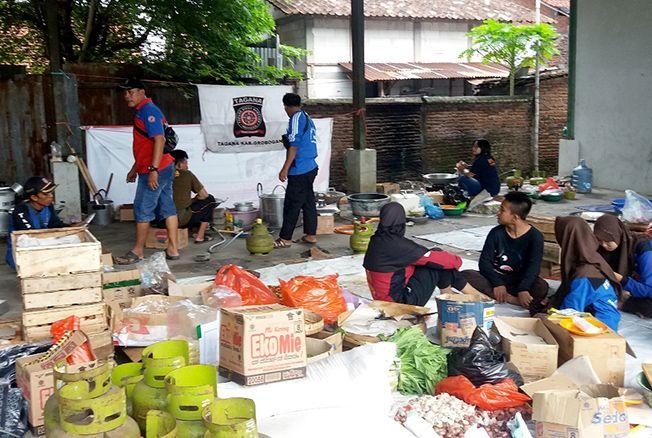 MASIH DIBUKA: Dapur umum di Pendopo Kecamatan Grobogan akan dibuka hingga hari ini.