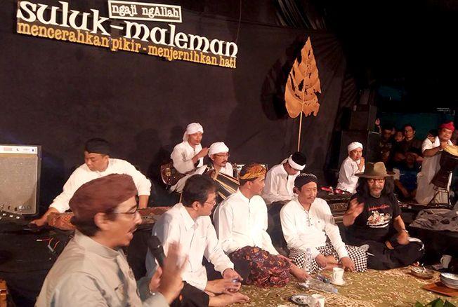 SEWINDU SULUK: Para narasumber membincangkan tema menarik dalam ngaji budaya Suluk Malemanpada Sabtu (25/1)malam lalu.