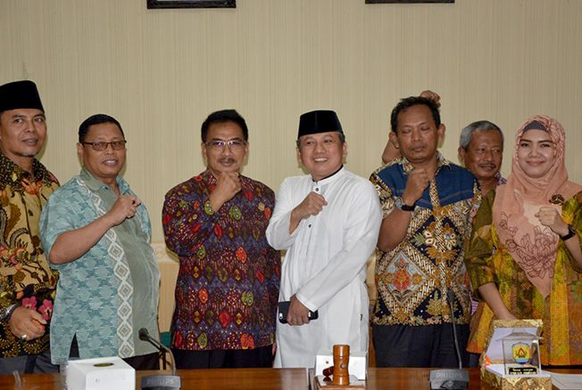 TUKAR INFORMASI: Anggota DPRD Grobogan menerima kunjungan dari anggota DPRD Lamongan yang membahas kegiatan Badan Musyawarah (Bamus).