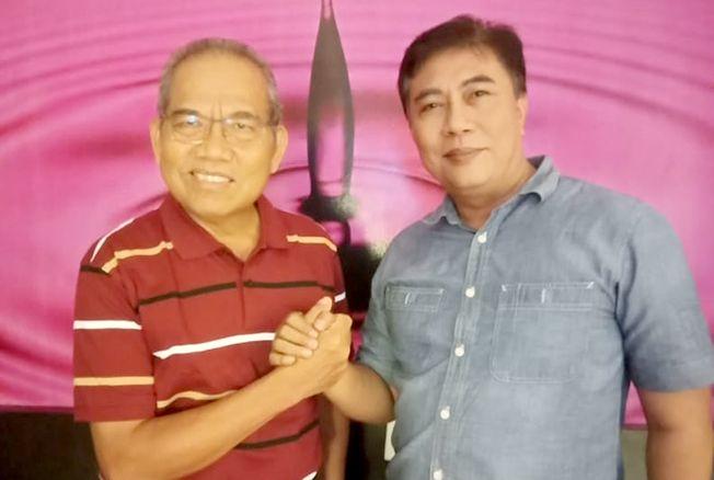 BERSAHABAT: Atna Tukiman, Pembina DPD Partai Nasdem Rembang dan Moch. Salim, Ketua Dewan Pertimbangan DPC Demokrat Rembang merupakan sahabat yang peduli dengan Kabupaten Rembang.