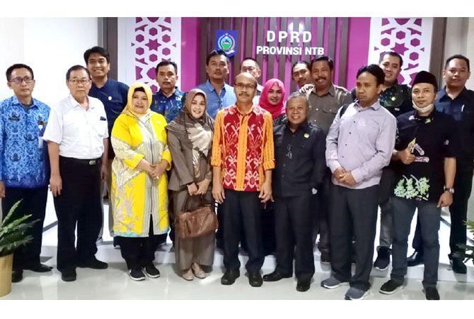 KUNKER: Sejumlah anggota DPRD Blora saat kunjungan kerja di DPRD Provinsi Nusa Tenggara Barat (NTB) beberapa waktu lalu.
