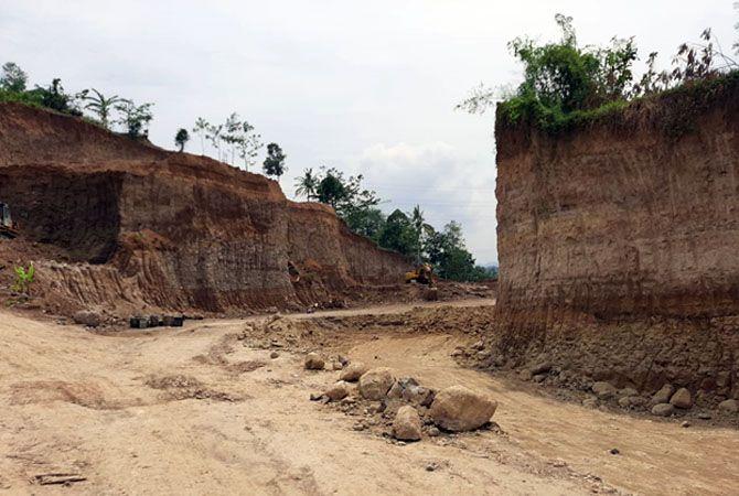 DITOLAK WARGA: Lokasi tambang yang ditolak warga karena dianggap merusak lingkungan, meskipun sudah berizin.