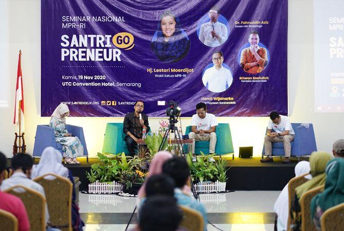"""Semarak seminar nasional """"Santri Go Preneur"""""""