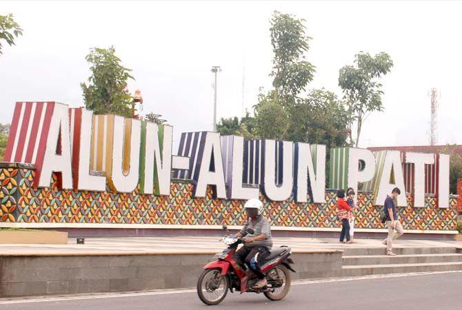 SIMBOL: Alun-alun Pati sebagai ikon yang berada di pusat kota kemarin.