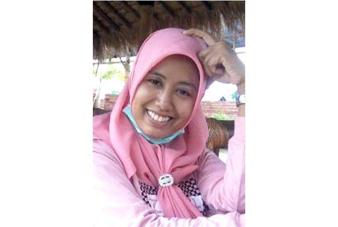 Laela Dwi Agustina, S.Pd.; Guru Bahasa Inggris SMP N 1 Sumber
