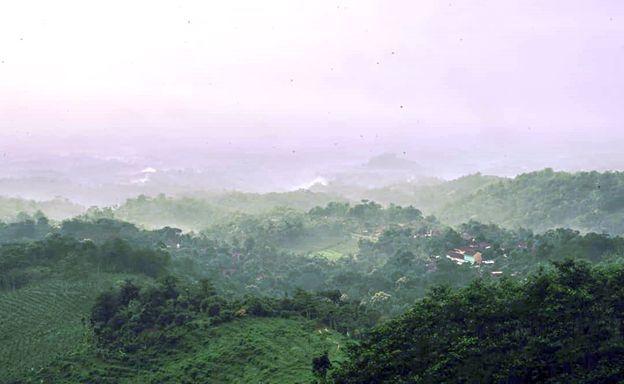 Panorama alam dari wisata Buba'an Hills Jollong Pati