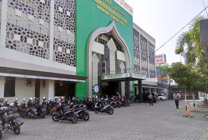 MEGAH: Rumah Sakit As-Suyuthiyyah Pati di bawah naungan Yayasan Pesantren Raudlatul Ulum.