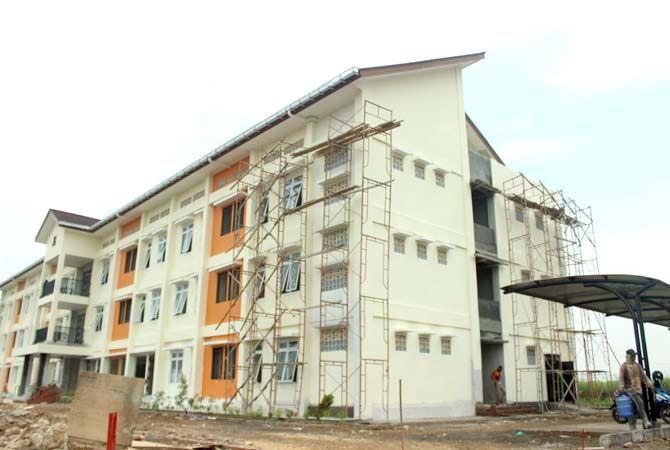 PROSES: Pembangunan Rusunawa Pulodarat masih berlangsung. Pendaftaran sewanya dibuka setelah bangunan rampung.