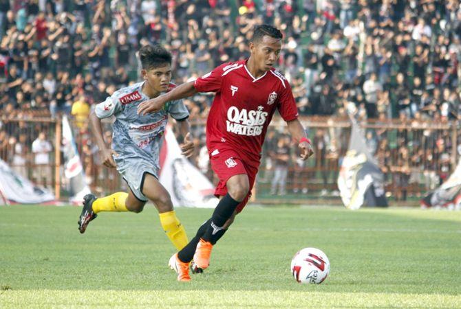 ATRAKTIF: Nurdian Putra Chaniago saat membela Persijap Jepara di Liga 3 musim 2019 lalu.