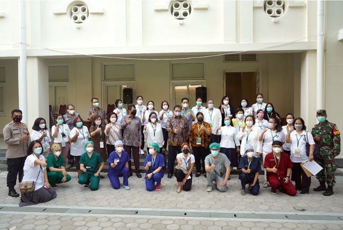 Berkunjung ke SVS, Menko Airlangga Ingatkan Masyarakat Patuhi Prokes