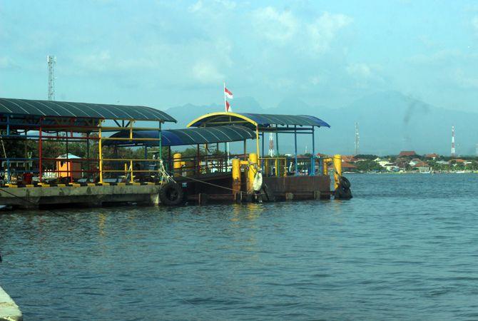 BARU JADI: Ponton di Pelabuhan Kartini baru saja diperbaiki. Sedangkan di Pelabuhan Karimunjawa pontonnya akan diganti baru.
