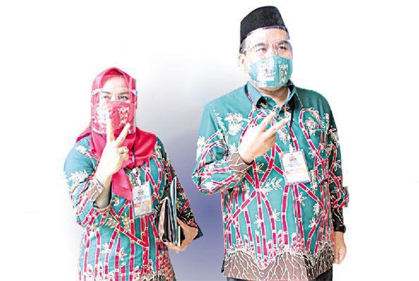 Arief Rohman (kanan) - Tri Yulisetyowati (kiri)