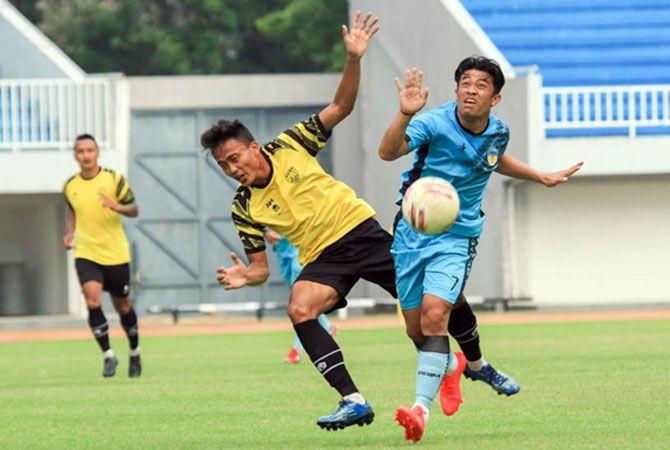LIGA DITUNDA: Para pemain AHHA PS Pati berlatih untuk mematangkan tim menghadapi Liga 2.
