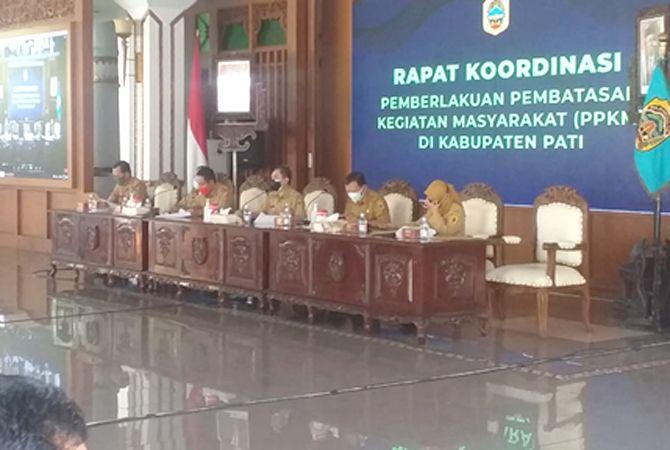 DIREMBUK: Perpanjangan PPKM level IV dibahas sejumlah OPD di Pendapa Kabupaten Pati kemarin.