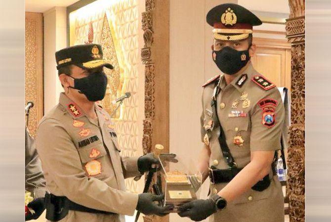 KOMPAK: Prosesi sertijab Kapolres Rembang yang dipimpin Kapolda Jateng, Irjen Pol Drs. Ahmad Luthfi, kemarin.