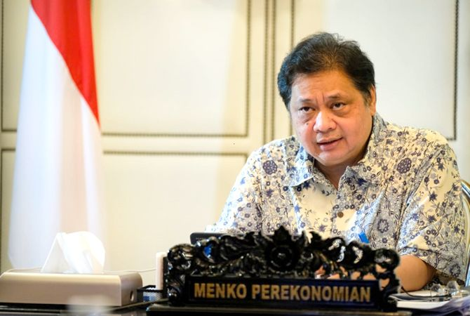 DUKUNG: Menko RI Airlangga menyampaikan materi diselenggarakan Alika Communication Kamis (9/9).