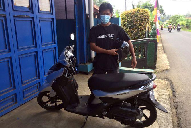 Youtuber Desa dengan Sejuta Subscriber Terkesan Yamaha Gear 125