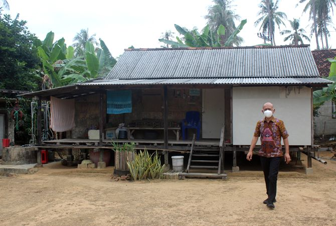CEK: Bupati Jepara Dian Kristiandi meninjau perkampungan Suku Bugis di Desa Kemujan, Karimunjawa, belum lama ini.