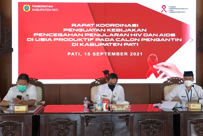 DISINGGUNG: Kasus HIV tengah dibahas OPD terkait di Pendapa Kabupaten Pati kemarin.