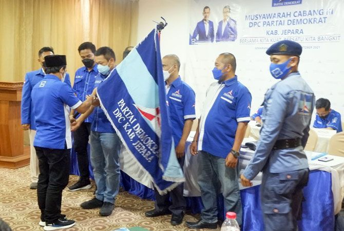 LANJUTKAN: M. Latifun ;kembali terpilih menjadi Ketua DPC Partai Demokrat KabupatenJepara Periode 2021 – 2026.
