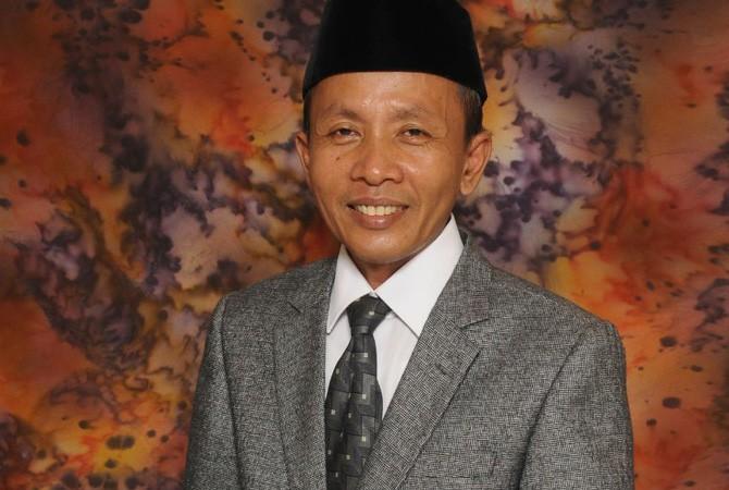 Dr. H. Mohammad Kosim, M.Ag.  Ketua STAIN Pamekasan
