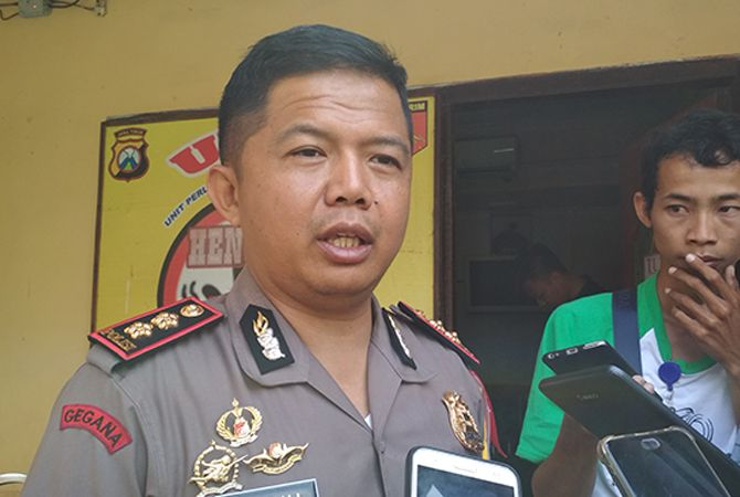 TEGAS: Kapolres Sampang AKBP Budi Wardiman memberikan keterangan terkait penangkapan tersangka ujaran kebencian.