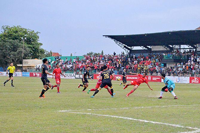 POIN PENUH: Madura FC membuka peluang lolos ke babak semifinal setelah mengalahkan PSS Sleman di Stadion A. Yani, Sumenep.