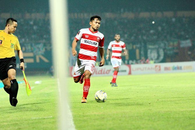 BAKAL DITURUNKAN: Winger lincah Madura United Andik Vermansyah saat tampil dalam ajang Piala Presiden di Stadion Gelora Madura Ratu Pamelingan.