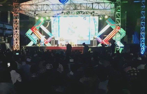 LINTAS ALUMNI: Santri Ponpes Muba saat menghadiri opening ceremony Pekan Ngaji 5.